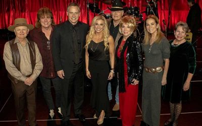 TIM ATWOOD JOINS JEANNIE SEELY, KATHIE LEE GIFFORD, CHARLIE MCCOY, JULIE ROBERTS & MORE FOR FIFTH ANNUAL 'NASHVILLE SENIOR CHRISTMAS SHINNDIG'